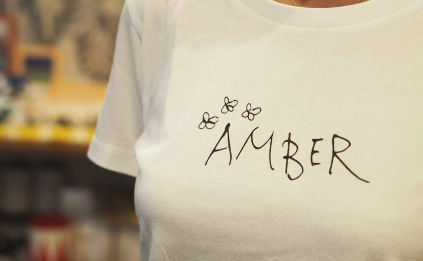 AMBER Tシャツ